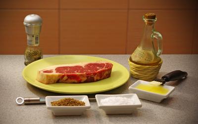 Все что нужно для приготовления стейка